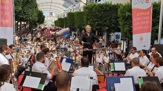 La Banda Sinfónica Municipal rinde homenaje a la ciudad de Almería en concierto