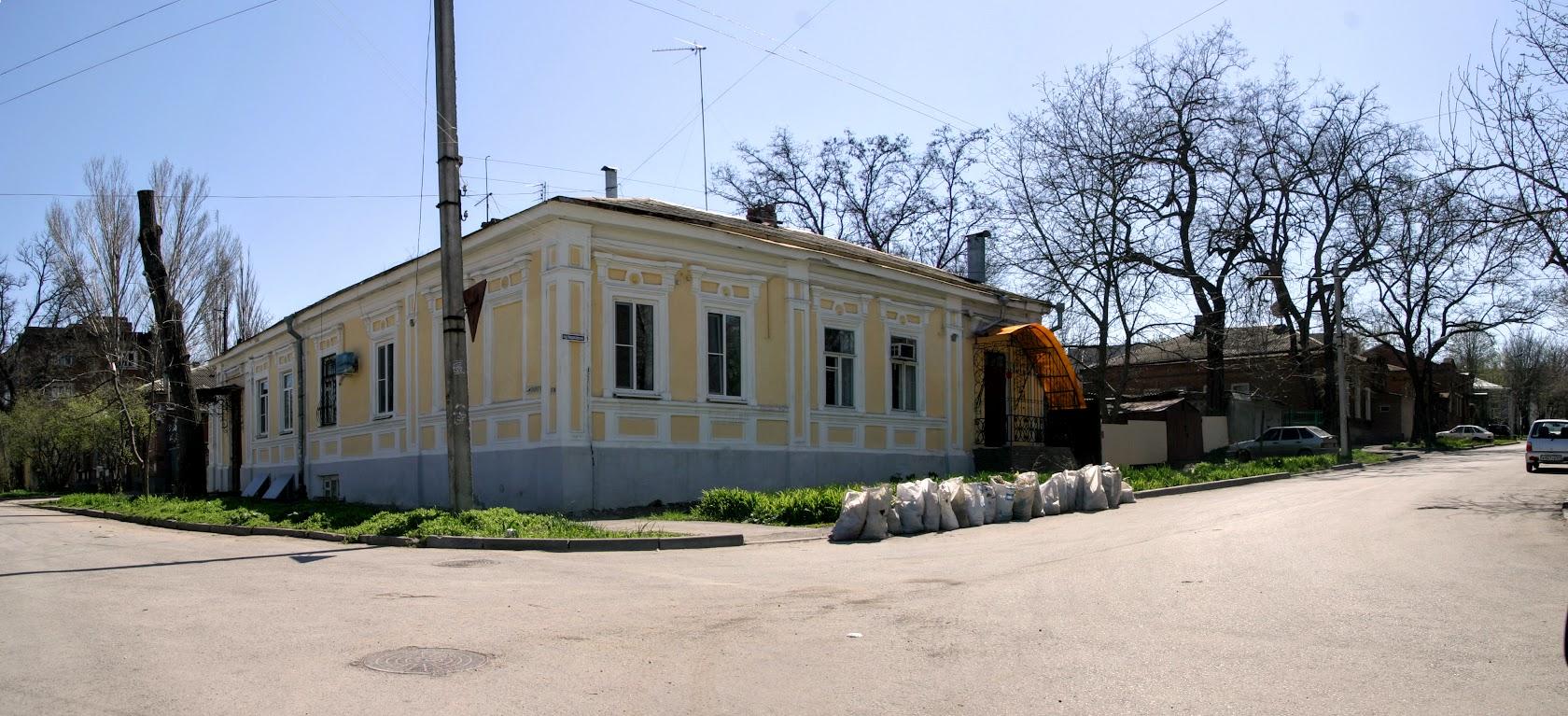 https://sites.google.com/site/istoriceskijtaganrog/nekrasovskij-pereulok/dom-1