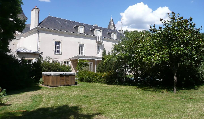 Château Saint-Hilaire-sur-Benaize
