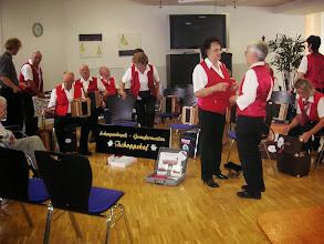 Photo: Unser Formationsname und die CD's gut präsentiert