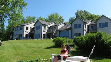Photo: Bu da Lake Michigan'dan otelin görünüşü.