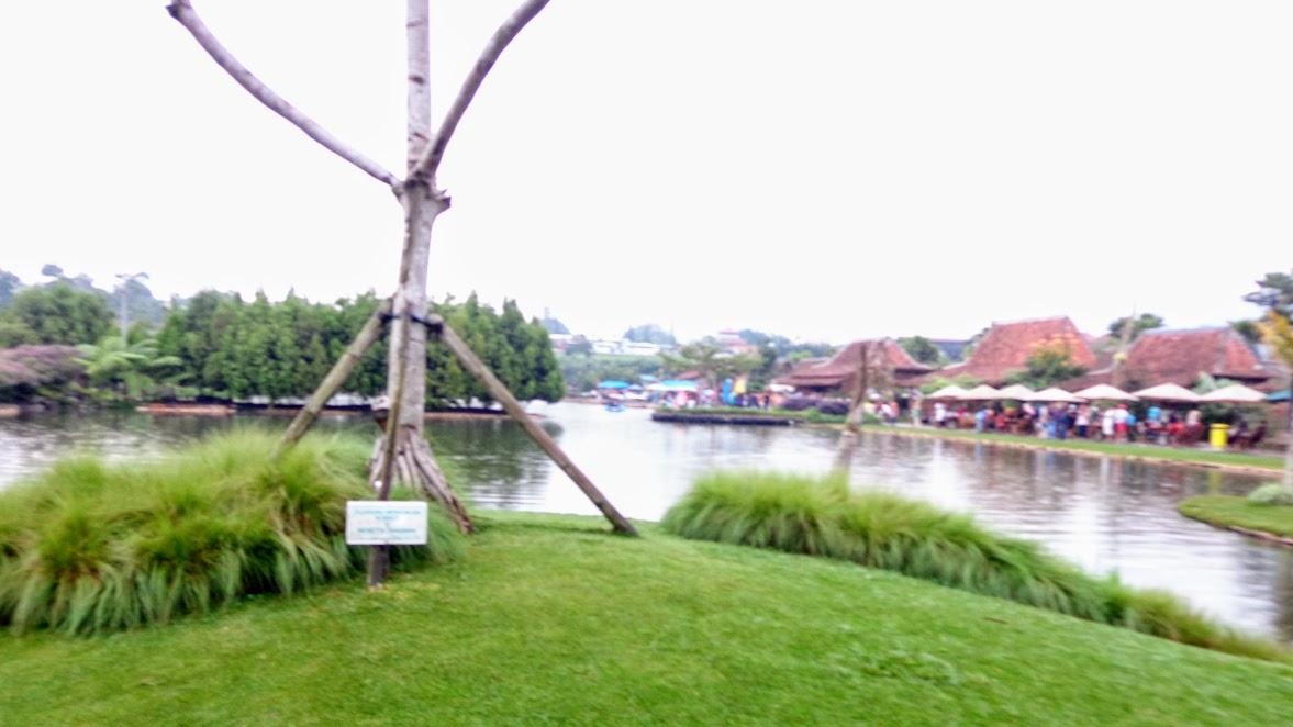 Danau di Floating Market Lembang