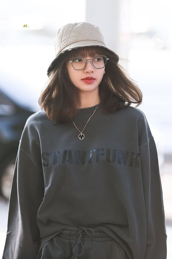 lisa glasses 44