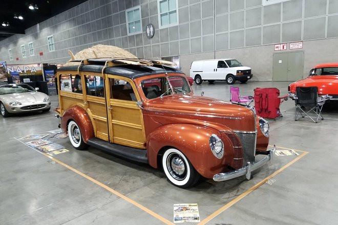 1940 Woodie Surf Wagon Hire CA