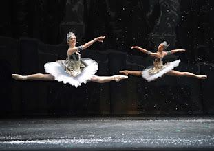 Photo: DER NUSSKNACKER - Ballettpremiere an der Wiener Staatsoper. Premiere 7.10. 2012, Choreographie: Rudolf Nurejew. Prisca Zeisel, Liudmila Konovalova. Foto Barbara Zeininger