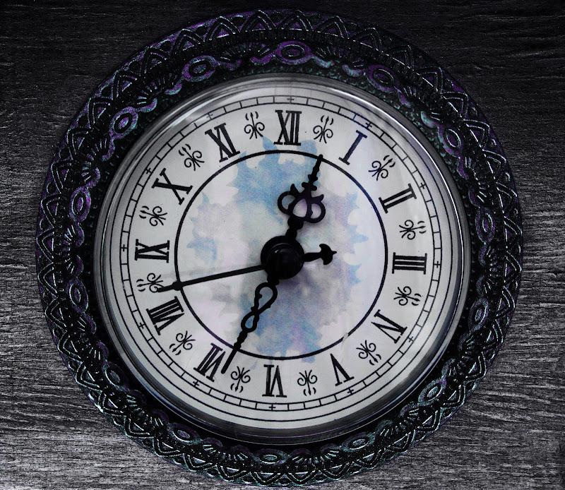 Antico Orologio di Uomoz