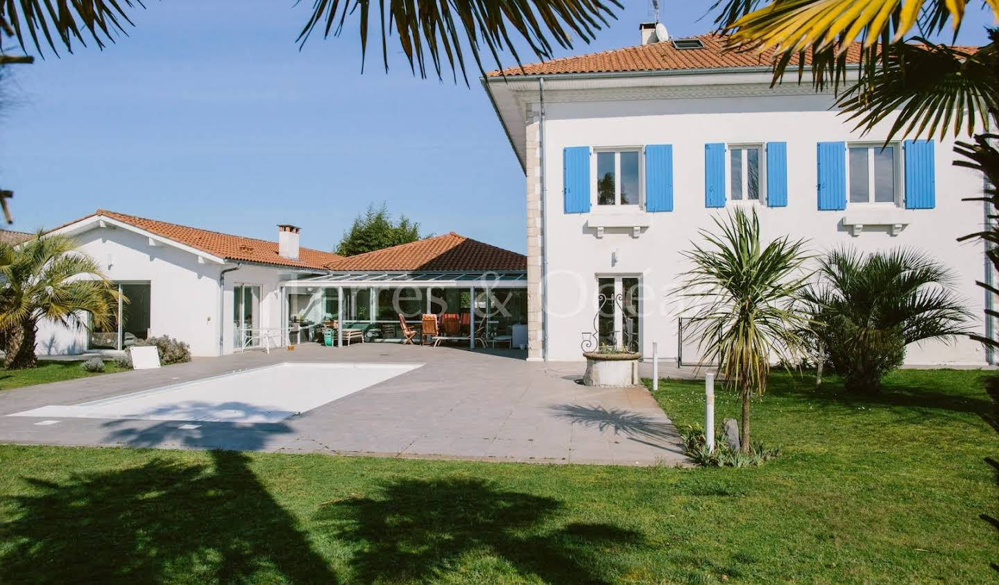 House with pool and terrace Hossegor