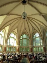 Photo: A könyvtár központi olvasóterme