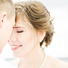 Wedding photographer Ekaterina Badeeva (Katerina7). Photo of 07.10.2016