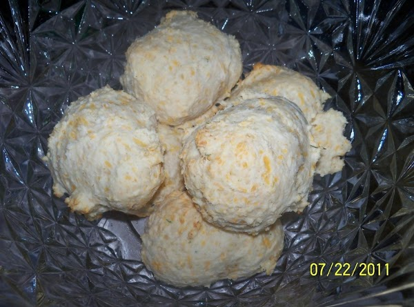 Cheesey Garlic Drop Biscuits Recipe