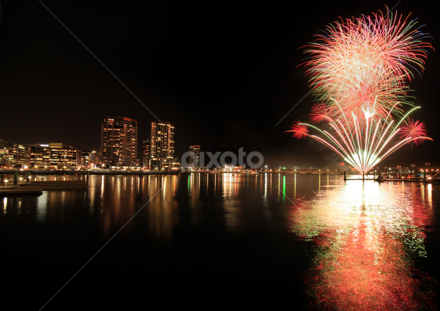 Winter Firework at Melbourne by Zack G - Public Holidays Other ( winter, firework, melbourne, dockland, waterfront )