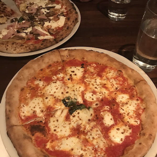 Margarita pizza. SO GOOD