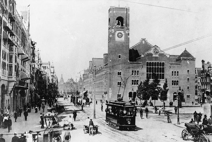 The Beurs Van Berlage in the early 20th century.