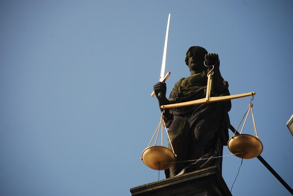 lady-justice-677945_960_720.jpg