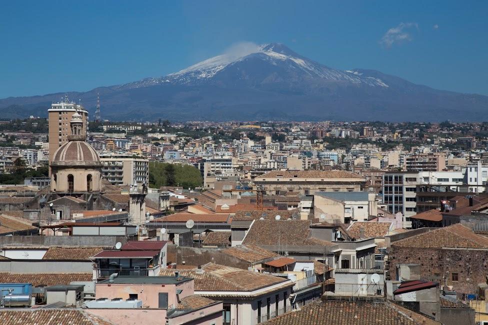 wulkan Etna widok z Katanii