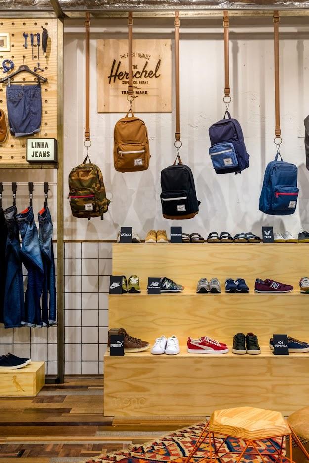 Thiết kế shop thời trang kết hợp quán cafe - thiết kế shop quần áo 6