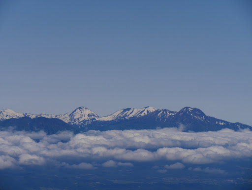 火打山や焼山には雪が多く
