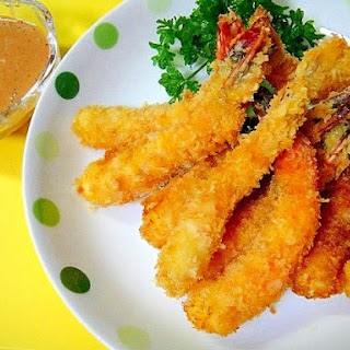 Fried Shrimp with Mustard-Ketchup-Mayo Sauce