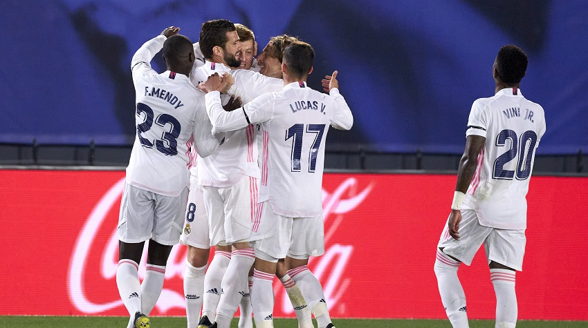 Relentless Real beat Barca to take La Liga lead