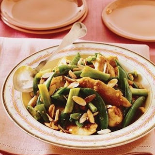 Weight Watchers Chicken Stir-Fry with Almonds and Snap Peas