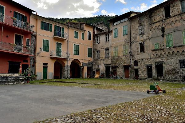 Il borgo di Pigna. di mtan73