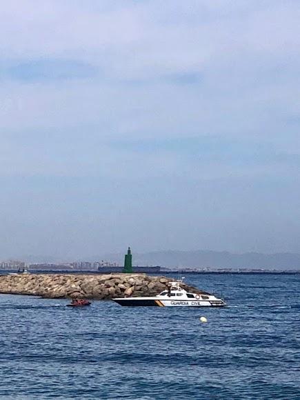 Roquetas de Mar, bocana del Puerto Deportivo de Aguadulce.