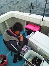 Photo: ・・・バレた。 船にあたってラインが切れた。 「ぐやじいー!!」