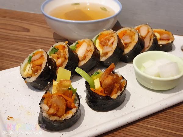 KBAB 大叔的飯卷   中友百貨旁平價韓式料理,小小店面總是塞滿人。想吃飯卷是不錯的選擇哦!