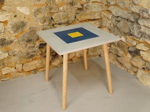 table de salon en béton ciré carrée