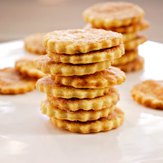 Crunchy Flaky Einkorn Cookies {or Crackers}