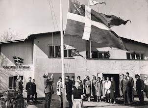 Photo: 1961 Standerhejsning i Odense Roklub. Foto Fyens Stifstidende