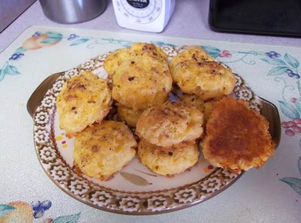 Low Carb Garlic Cheddar Biscuts Made W/soy Flour Recipe