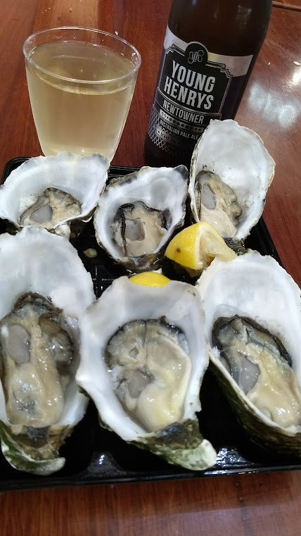 Oysters and drinks in Sydney, Australia