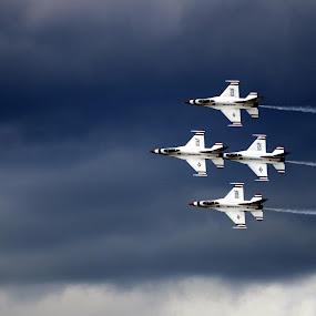 Diamond by Ben Steiner - Transportation Airplanes ( ben steiner, aircraft, nikon, usaf, usa, thunderbirds )