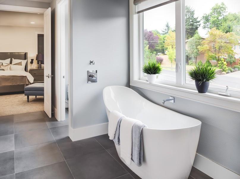 W łazience najlepiej sprawdzą się płytki gresowe, terakota lub klinkier.