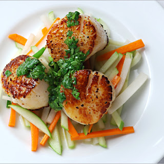 Seared Scallops with Asian Slaw