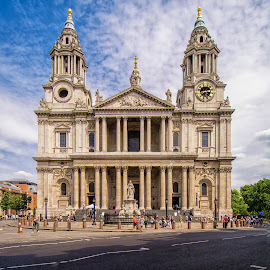 St Pauls Cathedral, London. by Graeme Hunter - Buildings & Architecture Public & Historical