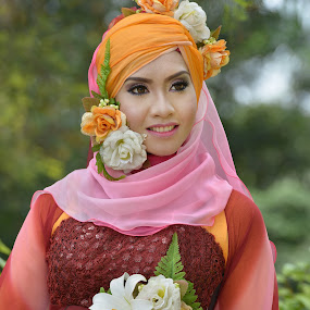 lady of flower by AbuIrfan Outdoorgraphy - People Portraits of Women