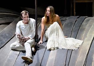 Photo: WIEN/ Burgtheater: WASSA SCHELESNOWA von Maxim Gorki. Premiere22.10.2015. Inszenierung: Andreas Kriegenburg. Timo Hillebrand, Aenna Schwarz. Copyright: Barbara Zeininger