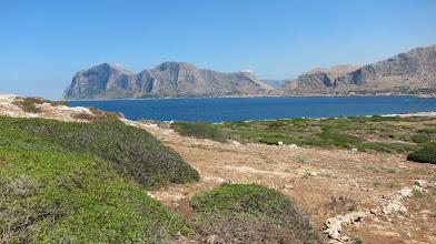 Photo: Isola delle Femmine (in lontananza Capo Gallo)