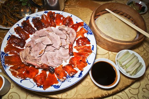 聚馥園│南京復興美食│烤鴨兩吃划算又美味,肴豬腳也值得一試