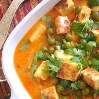 Muttar Paneer (Peas N Cheese)