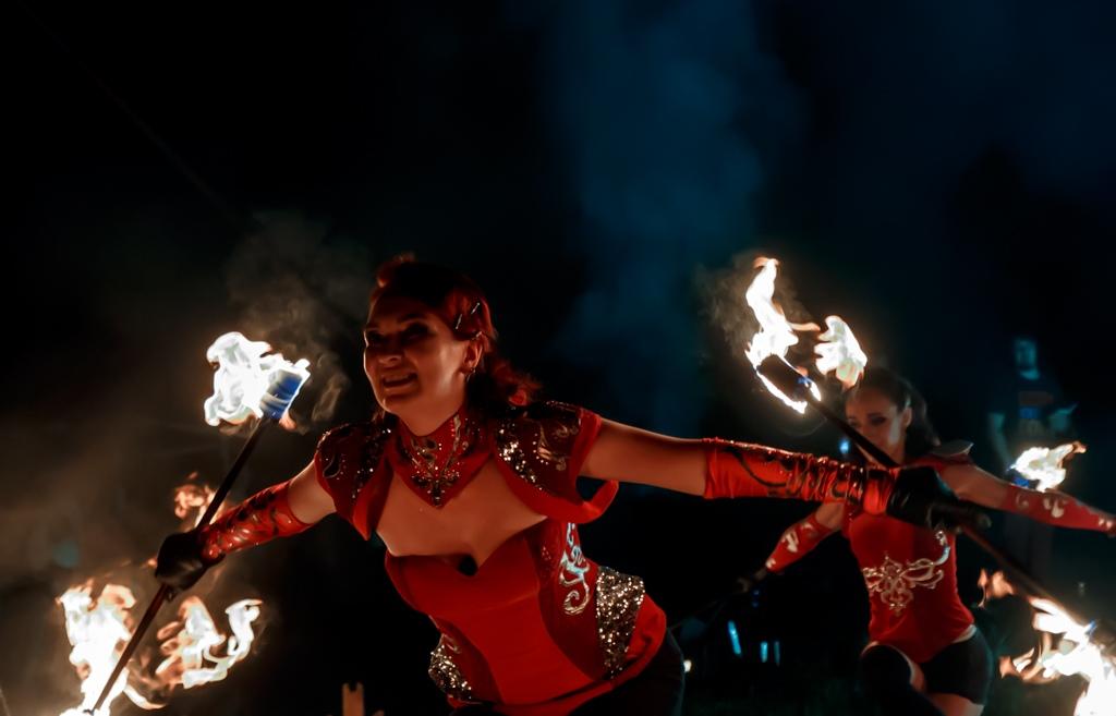 Соланж, фаер-шоу и световое шоу в Саратове