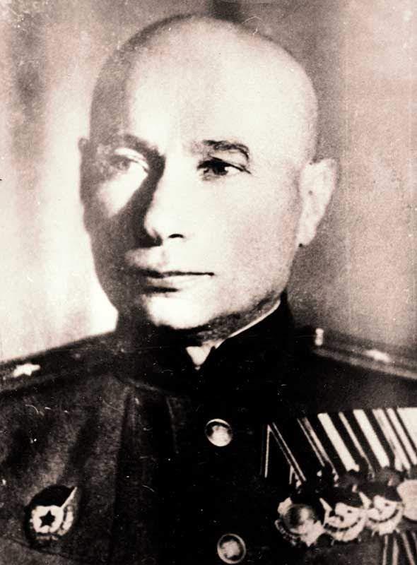 Шнайдер Г.М. - начальник штаба 35 осбр