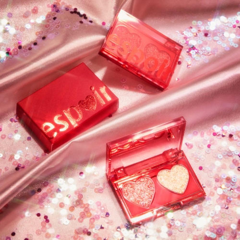 Kết quả hình ảnh cho Love Bomb Glitter Bomb Palette