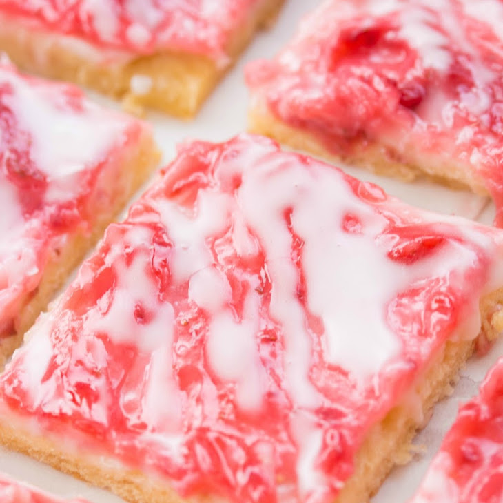 Strawberry Cheesecake Bars Recipe | Yummly