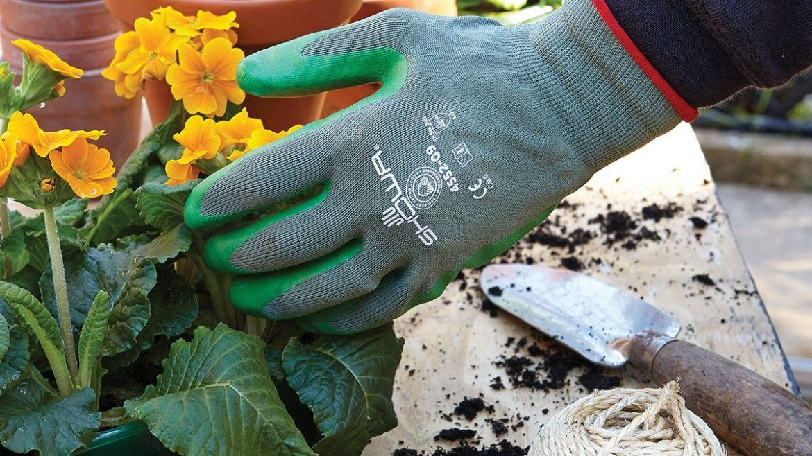 https://mydecorative.com/wp-content/uploads/2019/08/Gardening-Gloves.jpg