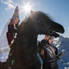 Wedding photographer Dulat Satybaldiev (dulatscom). Photo of 09.04.2018