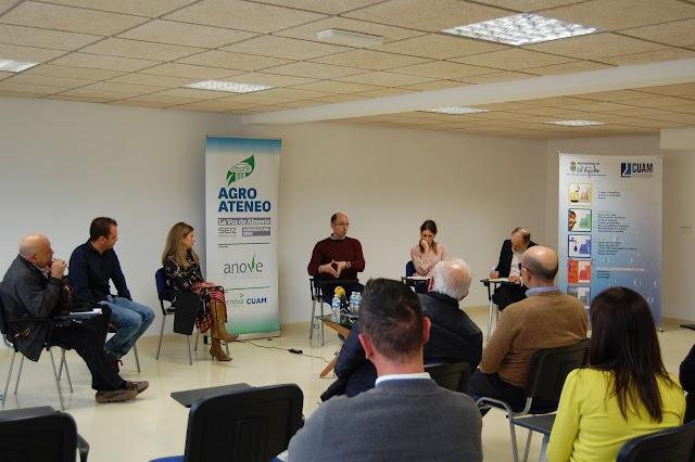 Debate  de los participantes desde las distintas perspectivas que representan.