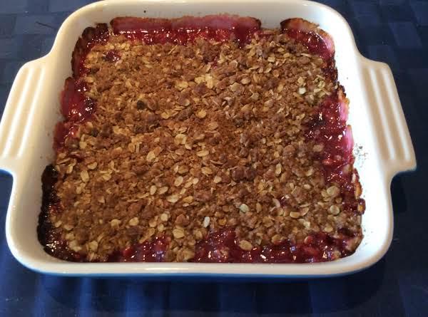 Rhubarb Oatmeal Crisp Dessert
